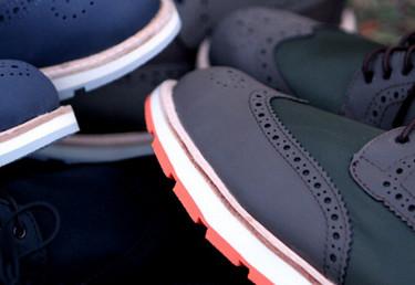 Esta temporada seguimos dándole protagonismo a las suelas de nuestros zapatos