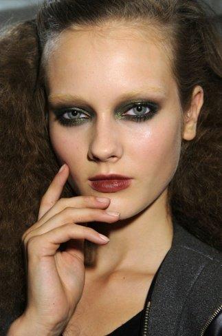 Maquillaje de pasarela: ojos intensos para esta Primavera-Verano 2011
