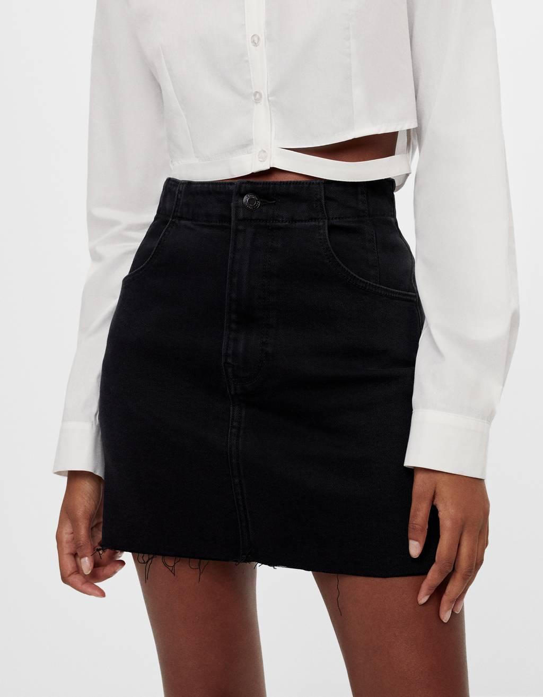 Falda corta denim negra