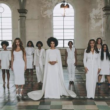 """Blanca y radiante dio el """"sí, quiero"""" Solange Knowles"""