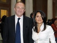 Antonio Banderas no asistirá a la boda de Salma Hayek