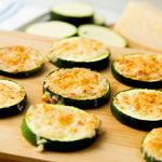 Cómo preparar canapés y tostas bajos en hidratos: recetas ligeras (y sabrosas) para el picoteo del finde