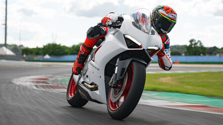Ducati pretende unirse a Triumph y correr el mundial de Supersport en 2022 con la Ducati Panigale V2