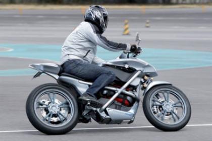 Suzuki Crosscage en acción