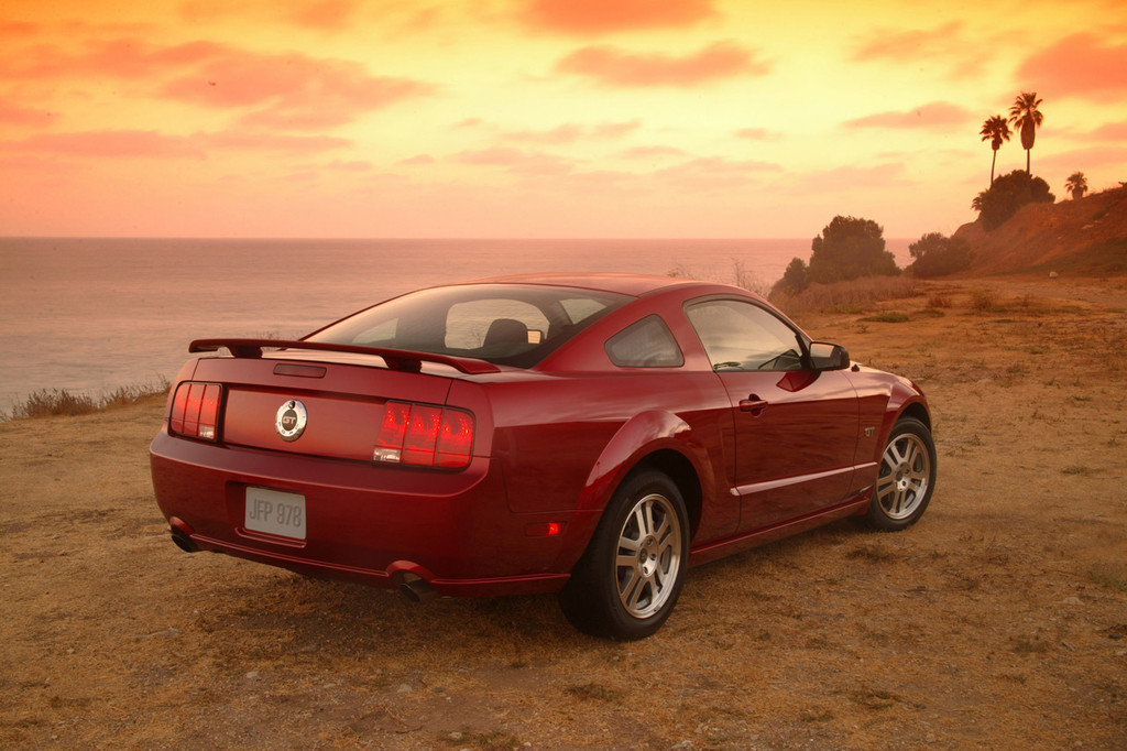 04 Mustang Gt >> Ford Mustang: generación 2005-2010 (24/48)