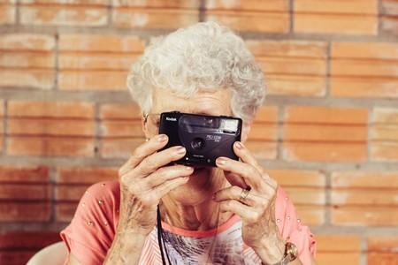 Descubren por qué un solo gen aumenta hasta 12 veces el riesgo de padecer alzheimer (y cómo revertir sus efectos)