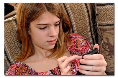 Los niños y adolescentes practican sexting con imágenes y vídeos inspirados por la pornografía