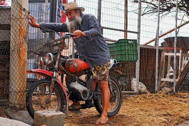 La gran aventura de comprar una moto de segunda mano parte 2 for Cobertizos de segunda mano
