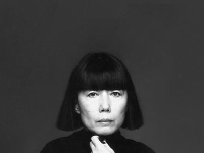 Rei Kawakubo llega al MET de Nueva York en una exposición sobre su trabajo en COMME des GARÇONS