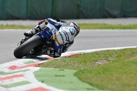 Superbikes Italia 2013: Marco Melandri se lleva la victoria en una primera carrera apasionante