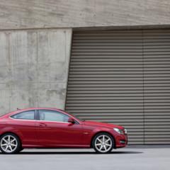 Foto 23 de 41 de la galería mercedes-benz-clase-c-coupe-2011 en Motorpasión