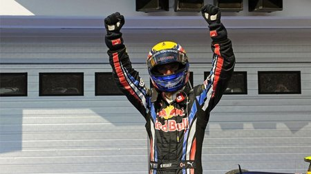 Flavio Briatore cree que Mark Webber ganará el título de Fórmula 1 2010