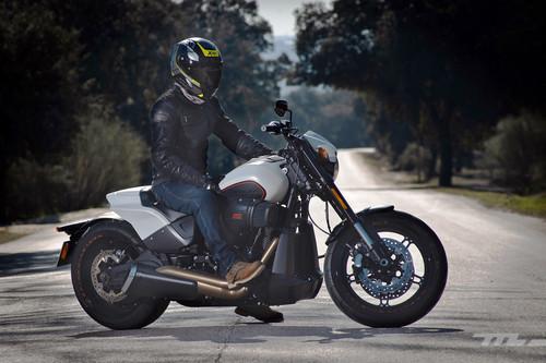 Todo el equipamiento para montar en moto: de lo mínimo obligatorio a lo recomendable