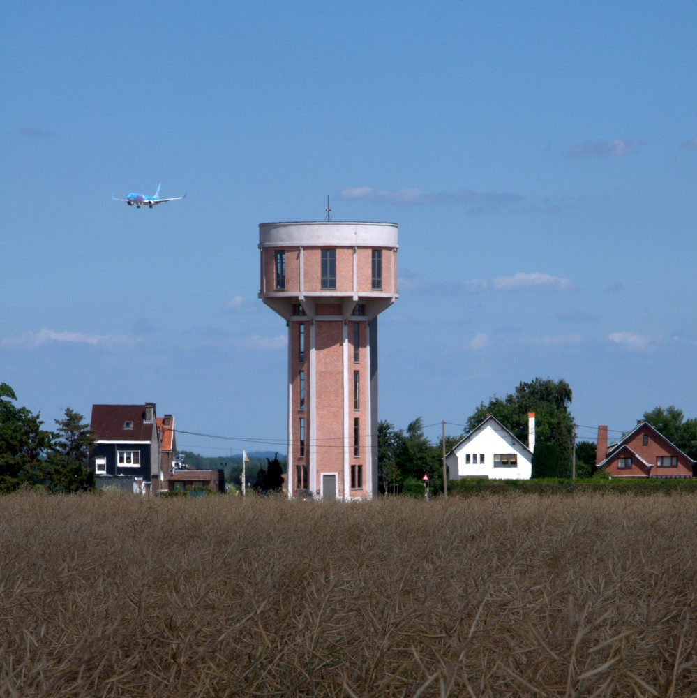Foto de Casas poco convencionales: vivir en una torre de agua (8/35)