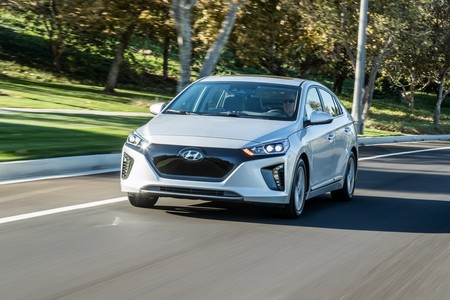 El Hyundai IONIQ 100% eléctrico llega por fin a España a un precio de 34.500 euros