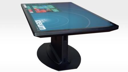 Esta mesa incorpora una pantalla 4K multitáctil y es capaz de reconocer objetos tangibles