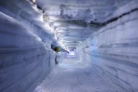 Into The Glacier 116 590x393