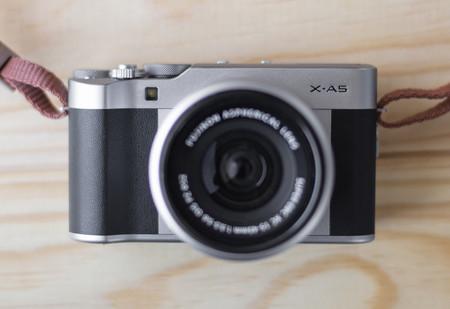 Fujifilm anuncia una actualización de firmware para las X-A5, X-A3 y X-A20, la gama baja de la Serie X
