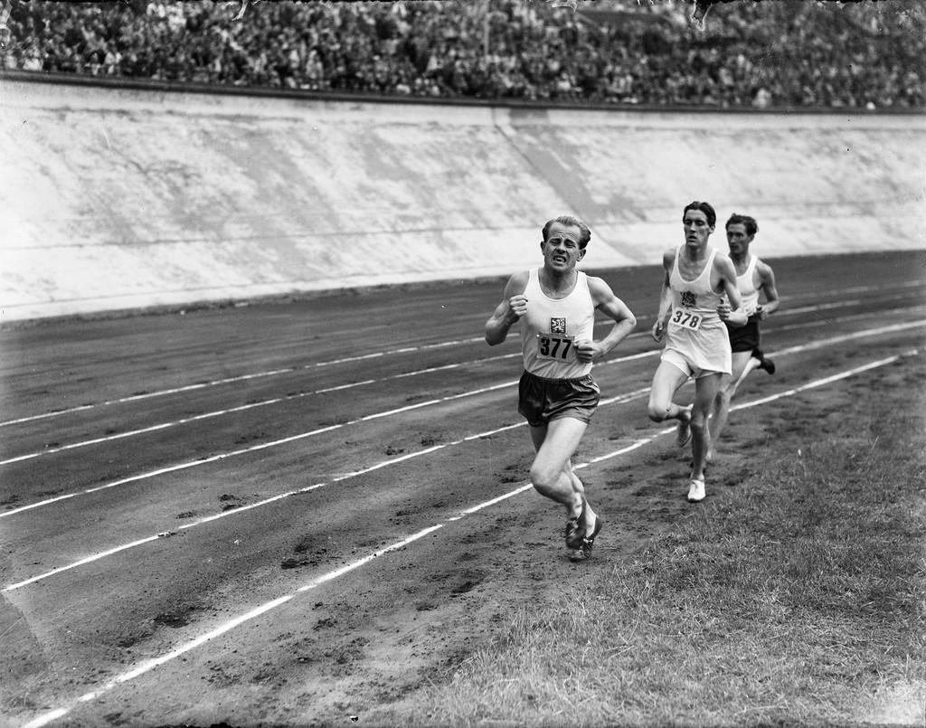 Los brutales entrenamientos de Emil Zatopek: series de 60 x 400 metros durante diez días seguidos
