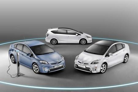 Toyota iq eléctrico cargando