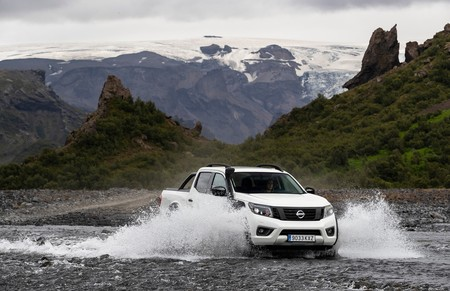 Nissan Navara Off Roader At32 2