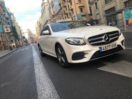 Probamos el Mercedes Clase E 300 de: coche híbrido con motor diésel y etiqueta CERO que entra en áreas restringidas al tráfico