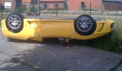 Dolorpasión™: Un Ferrari F430 Spider acaba panza arriba