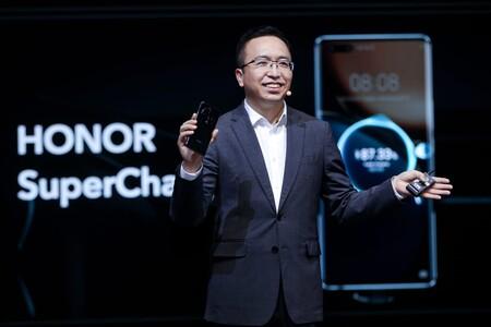 """Honor vuelve a Europa y va a por la gama alta: """"queremos competir con Apple y Samsung"""" (George Zhao, CEO de Honor)"""