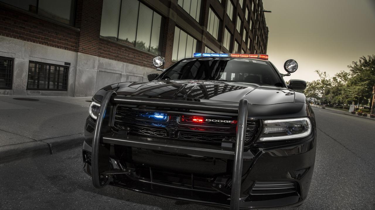 Foto de Dodge Charger Pursuit California HP (6/20)