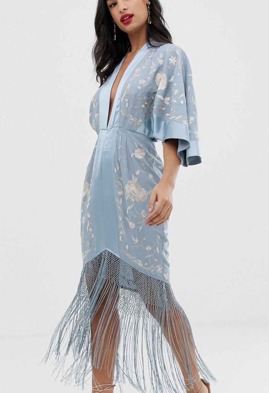 Vestido midi estilo kimono con bordados y flecos en el bajo de ASOS DESIGN