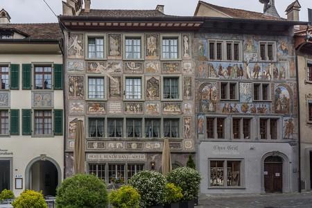 Stein am Rhein, donde las fachadas están pintadas con elaborados frescos