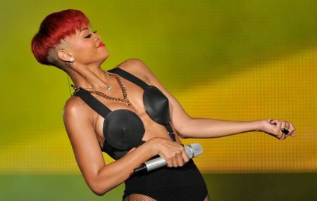 El estilo de Lady GaGa contra el Rihanna: ¿quién es más espectacular en los conciertos?