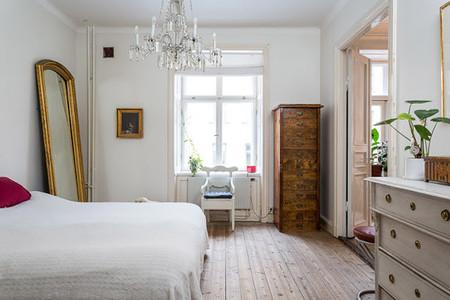 Un luminoso apartamento en estocolmo con mezcla de estilos for Dormitorio nordico