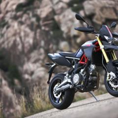 Foto 6 de 30 de la galería aprilia-dorsoduro-factory-2010 en Motorpasion Moto