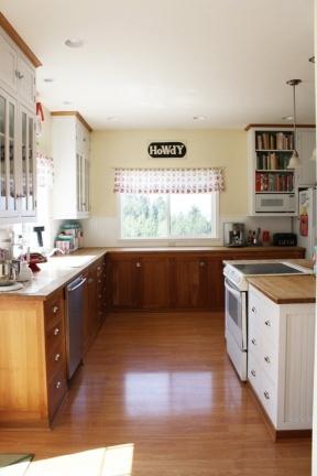 Puertas abiertas una cocina aprovechada al m ximo - Distribucion cocina cuadrada ...