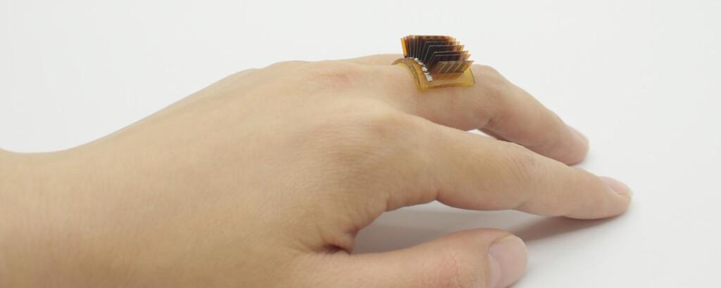 Este dispositivo en forma de anillo transforma el cuerpo humano en una batería biológica