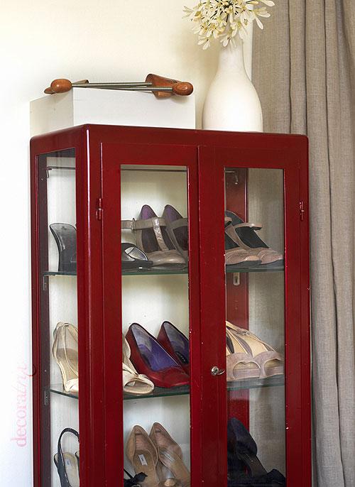 Exponer en vitrinas tus zapatos o sombreros - Vitrinas de exposicion ...