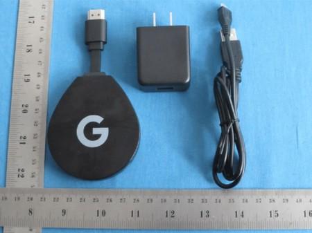 No es un Chromecast pero se le parece: así es el ADT-2, el nuevo stick HDMI de Google con Android TV