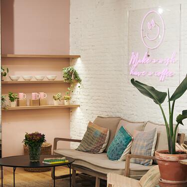 Brownie ha creado su primer coffee shop dentro una tienda y es así de ideal