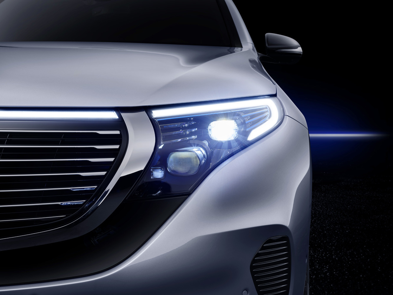Foto de Mercedes-Benz EQC 2019 (46/74)