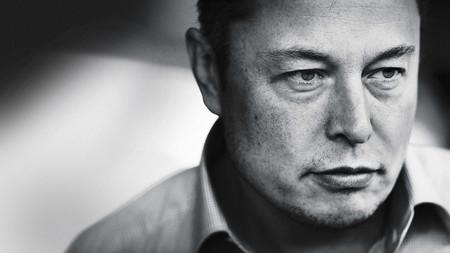 """""""Estamos a sólo dos años de poder dormir una siesta en un coche autónomo"""": Elon Musk"""