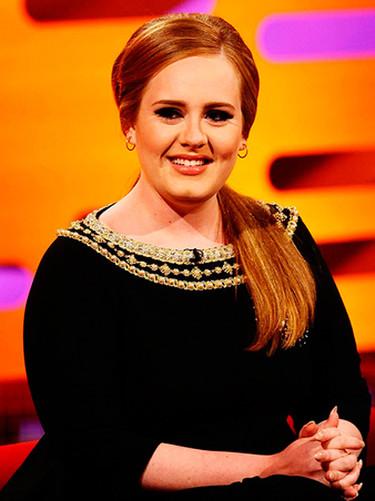 Parece que a Adele no se le daba mal lo de empinar el codo