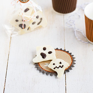 Piruletas fantasma de chocolate para Halloween. Receta
