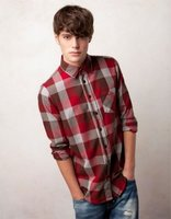 Este otoño apúntate con Pull & Bear a la moda de las camisas de leñador