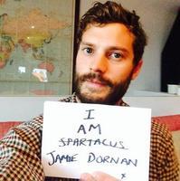 ¡Ey! Haz hueco en tu Instagram, que ya tienes un nuevo celeb que seguir... ¡Jamie Dornan!