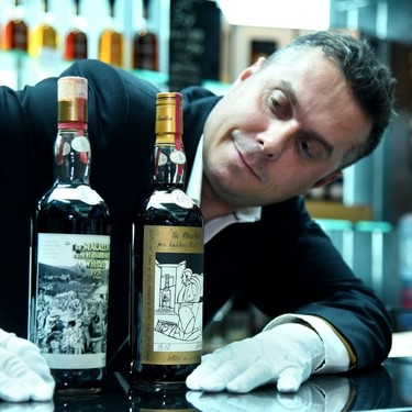 Venden el whisky más caro de la historia por 1,2 millones de dólares: dos botellas de Macalllan de 1926