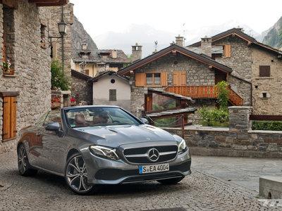 Mercedes-Benz Clase E Cabrio, a prueba: un comodísimo descapotable en el que ni te despeinarás (si no quieres)