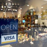 Visa y Coinbase lanzan una revolucionaria tarjeta para pagar con cripto-monedas, ¿Qué aporta al ciudadano medio?