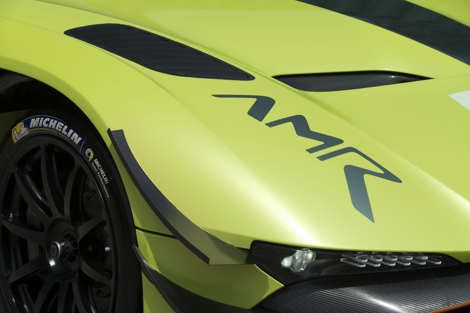 Foto de Aston Martin Vulcan AMR Pro (11/17)