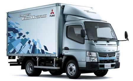 El Fuso Canter Eco Hybrid se hace con el premio al vehículo más innovador de Japón